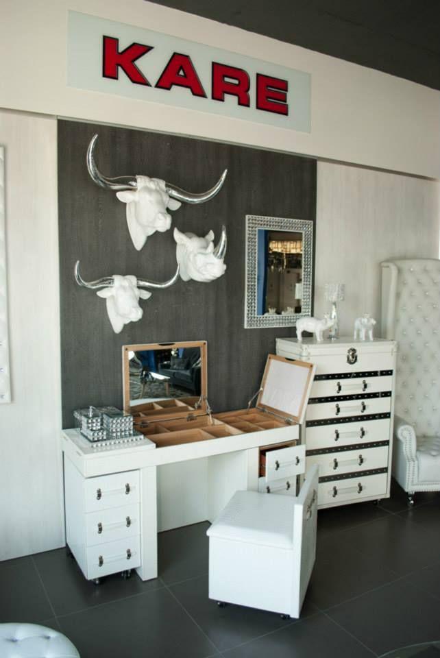 Deja que nuestros diseños sean los cómplices de tu belleza. #KareDesign, #Beautiful, #Decoration, #White.
