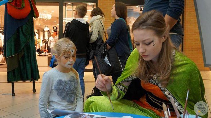 Malowanie buziek. Elfy. Kids fun. Wystawa magii i iluzji. Good News Company.