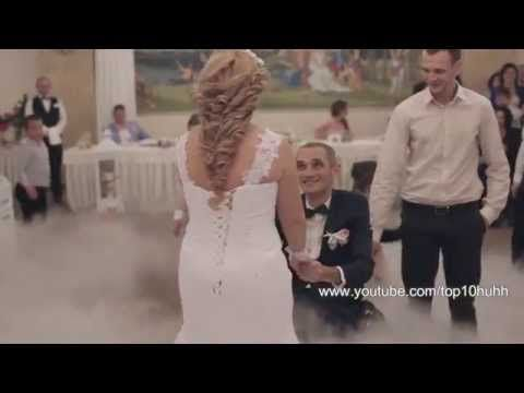 Ženích na vozíku pozve svoju ženu k ich prvému tancu. V 1:21 sa ale stane niečo, čo nečakal nikto! - Inspiron.sk