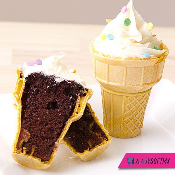 Una deliciosa idea para sorprender a esa persona especial. ¡Pastel en un cono!  #Cupcake #DIY