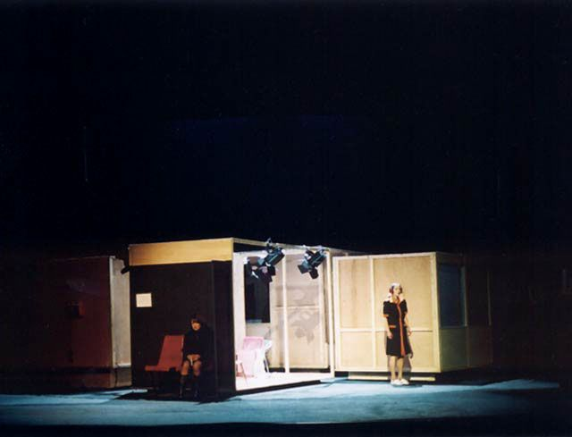 asistent scenograf - Roberto Zucco, Teatrul Bulandra - scenografia Ann Heine