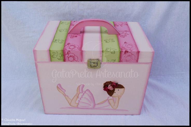"""Caixa de medicamentos e moldura """"Sweet Ballerina""""."""