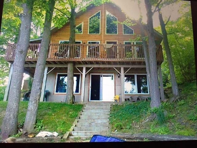 Marl Lake Cottage Hanover Cottage Rental Gl 26010 Cottagesincanada Lake Cottage Cottage Rental Cottage