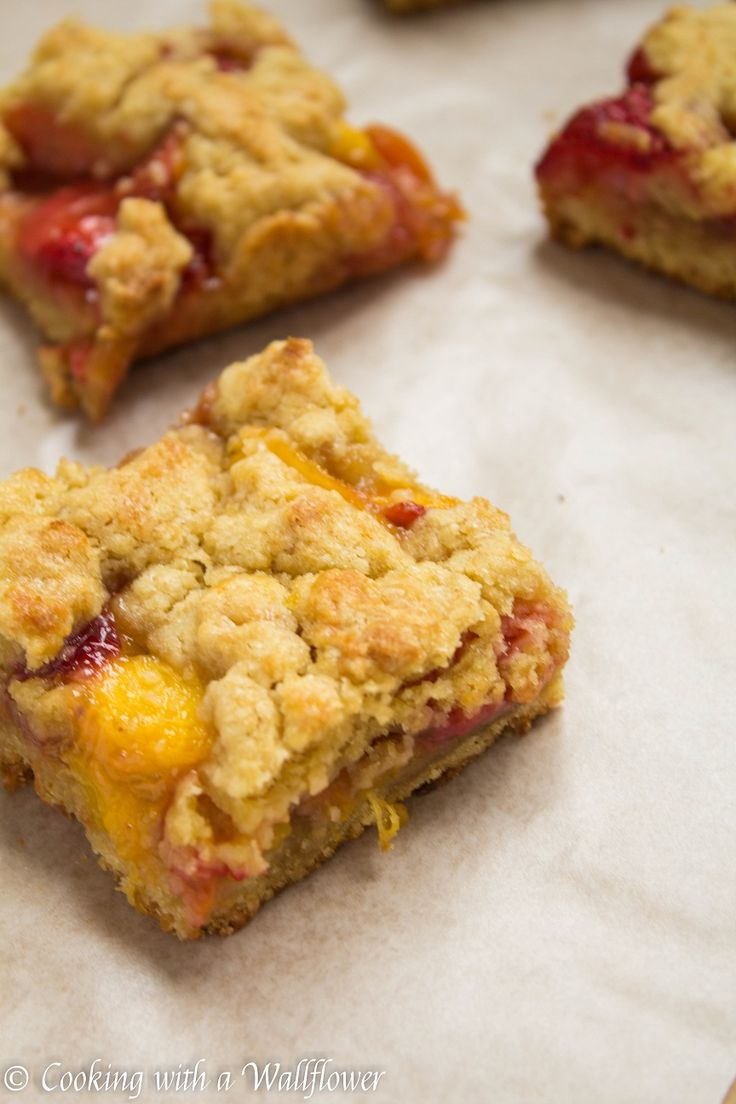 Strawberry Peach Crumble Bars   Cooking with a Wallflower