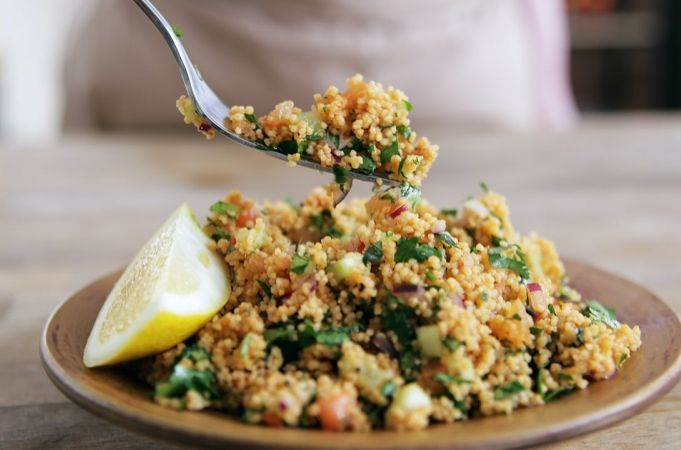 Tasty Turkish Couscous by Jamie Oliver (with onion, cucumber, tomato, herbs...)