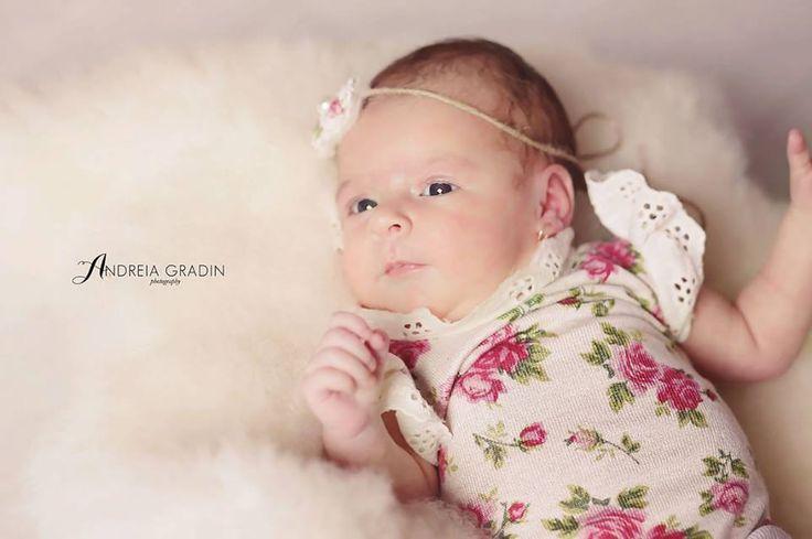 Sedinta foto nou nascut Anna - Andreia Gradin fotograf specializat in fotografie bebelusi