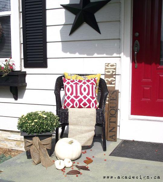 burlap, white pumpkins and a little colour: White Pumpkins, Painting