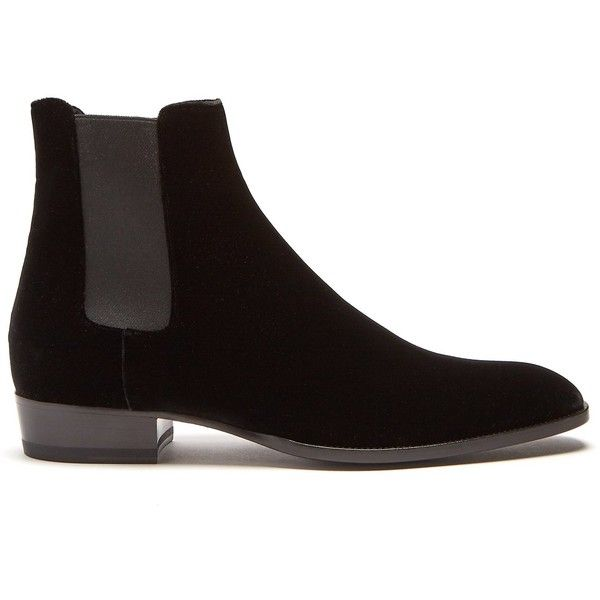 Saint Laurent Wyatt velvet chelsea boots ($995) ❤ liked on Polyvore featuring shoes, boots, ankle booties, black, mens black velvet shoes, men's pull on boots, mens black slip on boots, mens slip on boots and mens black chelsea boots