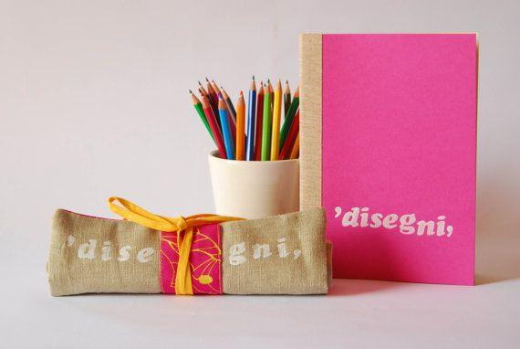 kit disegno, portamatite e blocco, per bambini e disegnatori, set disegno da viaggio, set per artisti, colore rosa by robedalez #italiasmartteam #etsy