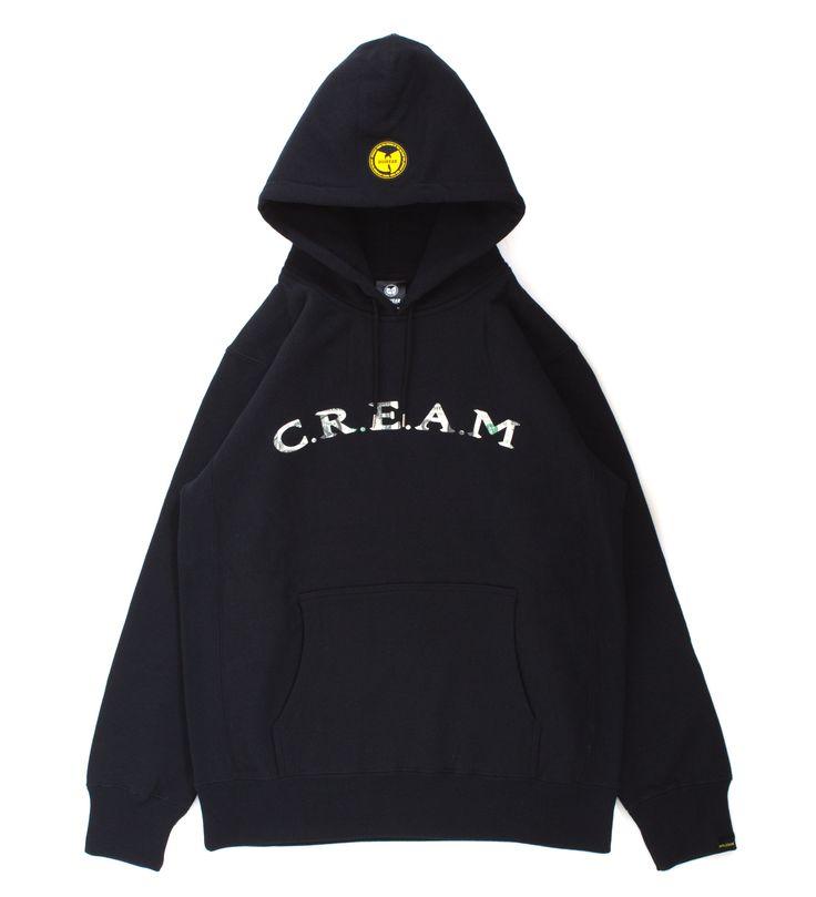 """ヒップホップ界最強グループ「Wu-Tang Clan」が展開するアパレルブランド「WUWEAR」とのコラボレーションパーカ。<br> Wu-Tang Clanの名曲「C.R.E.A.M.""""[Cash RulesEverything Around Me](金が全てを支配している)」の文字をドル札デザインでプリント。<br> 左胸には、Wu-Tang Clanの象徴「Wuマーク」シリコンワッペンを付けました。<br> 周りにはAPPLEBUMとWu-Tnag Clanの絆を表す「STRAIGHT FROM THE GRAINS OF THE WU-TANG SOIL・SHAOLIN・NEW YORK・TOKYO ・APPLEBUM・WU-WEAR」の文字をレイアウト。<br> 背中にはさりげなくボディ同色でAPPLEBUMロゴをプリント。<br> <br> [Wu-Tang Clanとは・・・]<br> 圧倒的な存在感と迫力でいまだに不動の地位を誇る歴史的に見ても実..."""