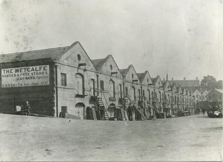 Campbell Cove showing Metcalfe Bond & Free Store - Campbell's Warehouses