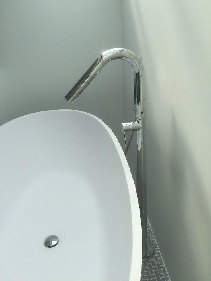 17 beste idee n over italiaanse badkamer op pinterest rustiek italiaans decor en badkamers - Badkamer met italiaanse douche en bad ...