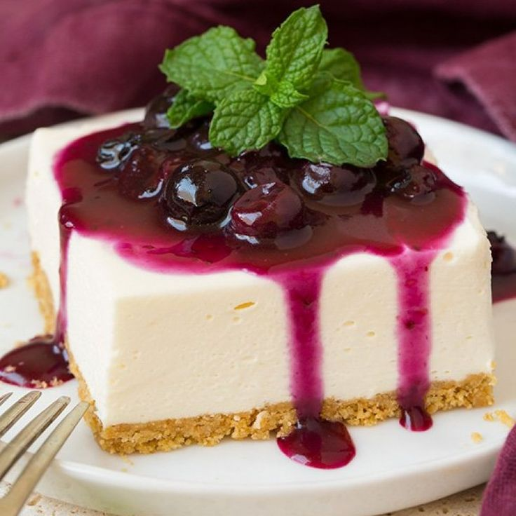 Are you ready for the most dreamy summer cheesecake of your life? These No Bake Cheesecake Bars with Fresh Blueberry Sauce are pure bliss! They are perfectly...