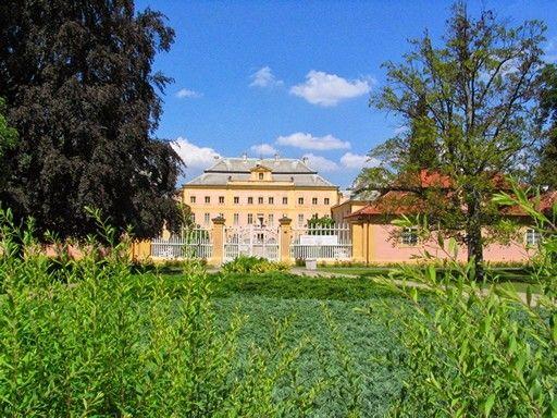 Zámek Krásný Dvůr, okres Chomutov, Česká republika