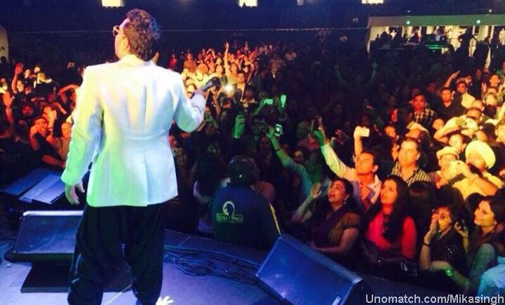 Amrik Singh, known by his stage name Mika Singh was born to Ajmer Singh Chandan and Balbir Kaur and was brought up in Patna, Bihar along with his brother Daler Mehndi.He is the youngest of six brothers. like : http://www.Unomatch.com/Mikasingh/