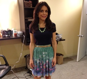 Shirt: J.Crew, Skirt: Timo Weiland, Skinny Belt: Banana Republic, Necklace: J.Crew, Earrings: Dabakarov, Shoes: B by Brian Atwood: Shirt Skirt, Timo Weiland, Skinny Belt, Brian Atwood, Fashion Bethennyfrankel, Bethenny Frankel, Banana Republic, Necklace, Teacher Outfits