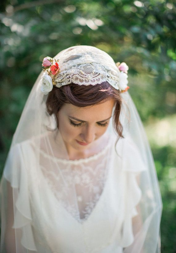 Ivory Juliet Cap Veil Lace By Thehoneycomb