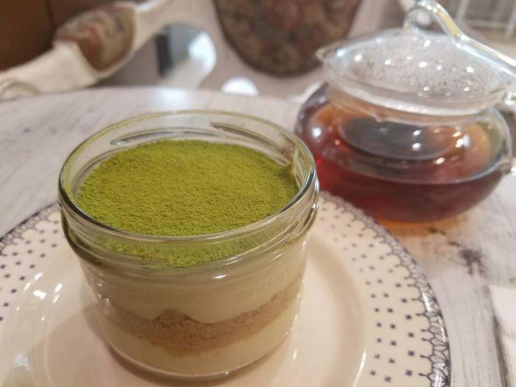 Guillermo Jarrín es un emprendedor propietario de la marca Tippytea Blends, quien impulsa la cultura del té en Ecuador y trabaja con comunidades rurales