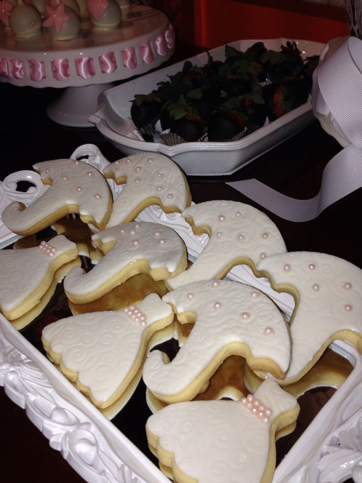 Umbrella butter cookies and dresses -bride to be