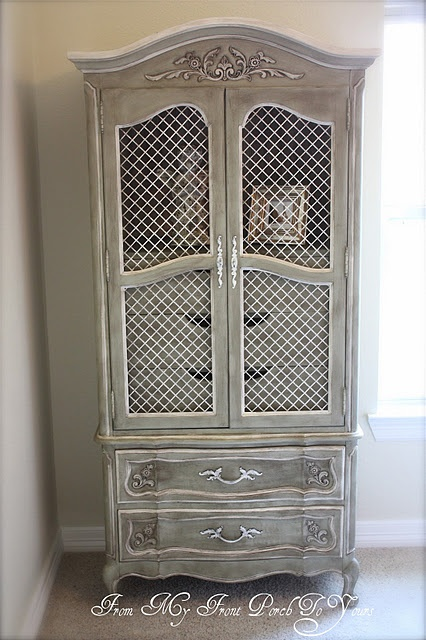 Love the Paris Grey with Old White Chalk Paint on this redo!  Looks awesome!!