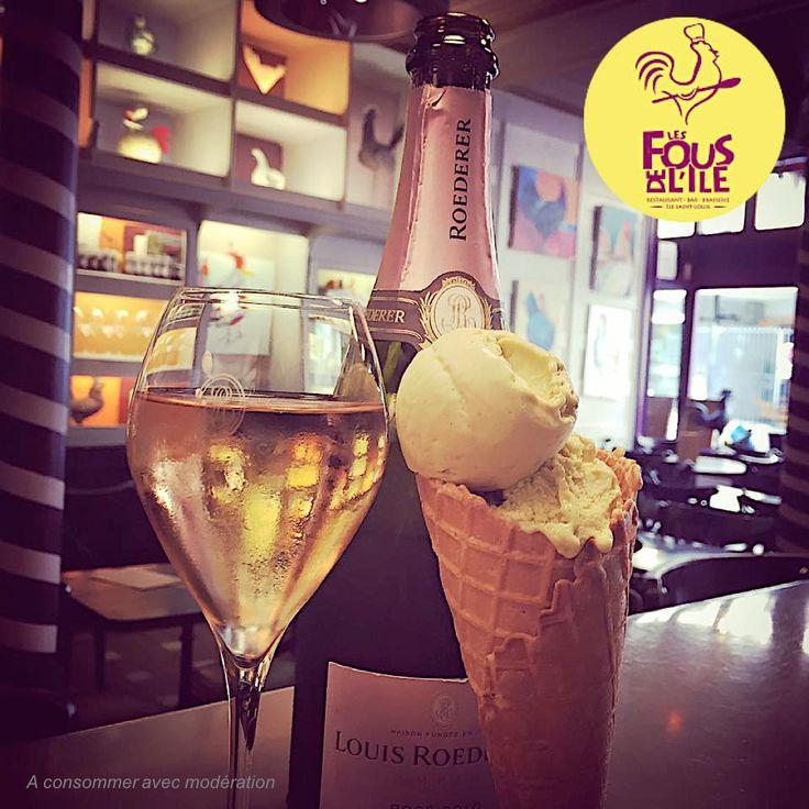 Pour une pause Goûter ou une pause Apéro vous trouverez chez nous la qualité. Glace de la maison Berthillon & coupe de champagne Rosé de la maison Roederer. Nous sommes ouverts tout l'été! #été2016