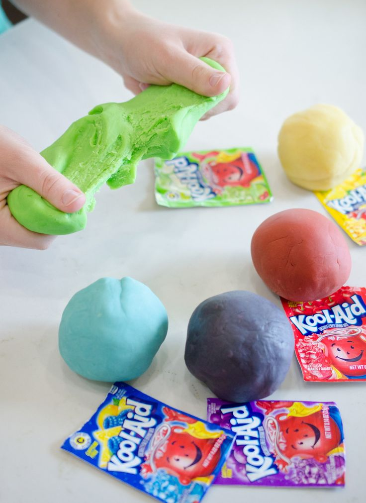 Mix the following in a medium pot: 1 cup flour 1/4 cup salt 1 tsp. cream of tartar 1 Tbsp. vegetable oil 2 Kool-Aid packets 3/4 cup water Heat the mixture over medium heat, stirring until the dough clumps together and reaches play dough consistency. Repeat the process for each color.