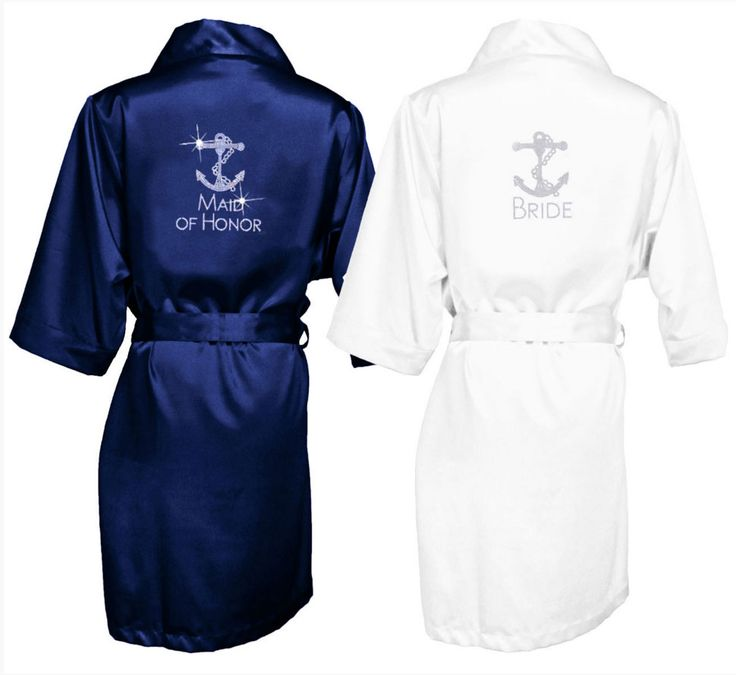 This Anchor Rhinestone Bridal Party Robe makes for a great gift for the bridesmaids from the bride. Perfect for a nautical themed wedding!