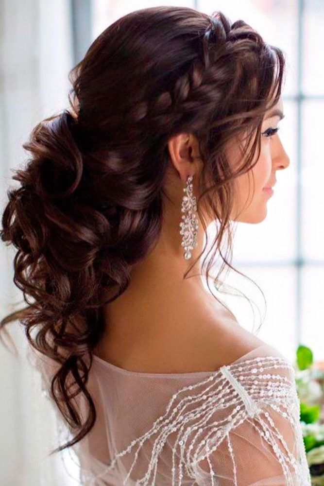 Bridal Hairstyles Half Up Our Hairstyle Defines Look To A Large Extent If It Moves Right We Can Beautifully Disgui