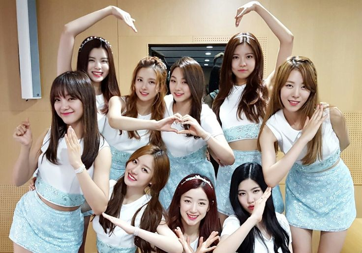 @gu9udan:Gugudan's heart pose requested by everyone~♡ Accept Gugudan's love and beat the heat~^^ Trans. cr: fyeah-gugudan