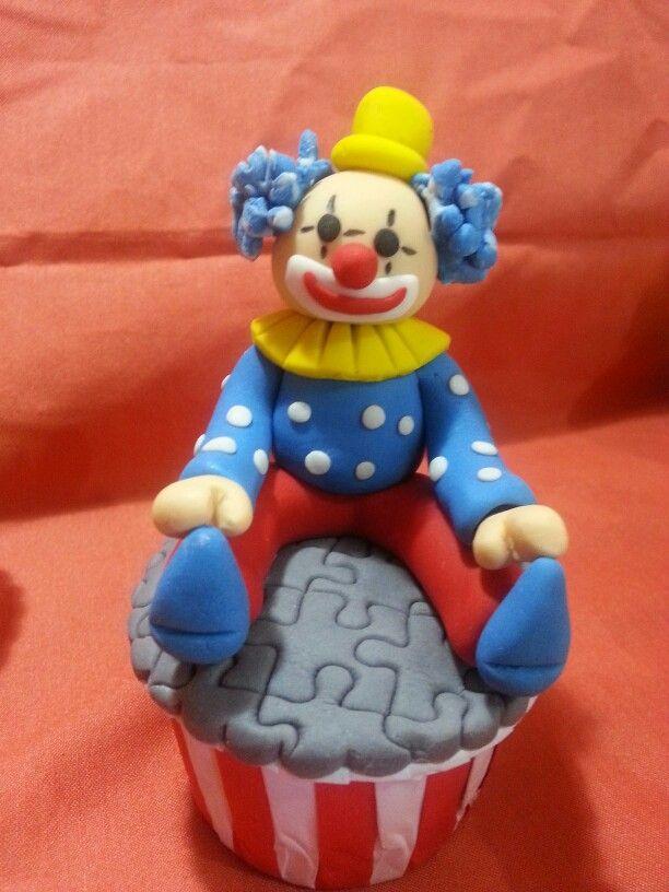 Edible cupcakes topper, the clowns..