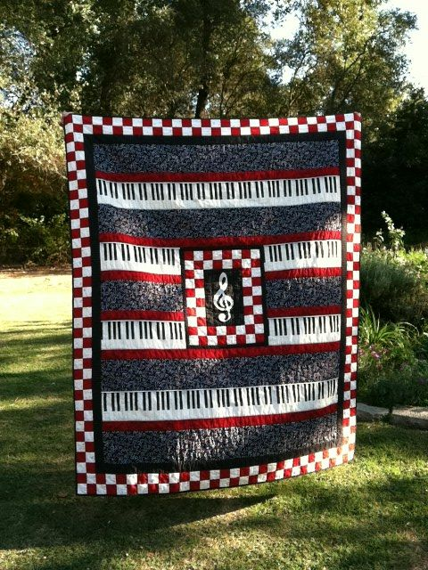 Music quilt for a fundraiser for a friend with cancer. NOTE:  Blog has been updated to provide the information where pattern can be purchased.