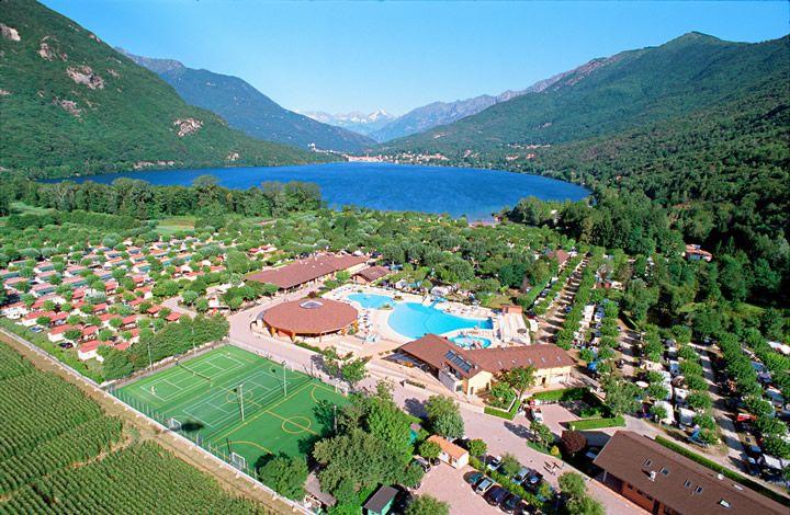 Camping Village Continental, CKE 18,5 euro, 24,50 euro. Zoover: 8,4. zeer grote camping. erg geschikt voor gezinnen met (kleine) kinderen.