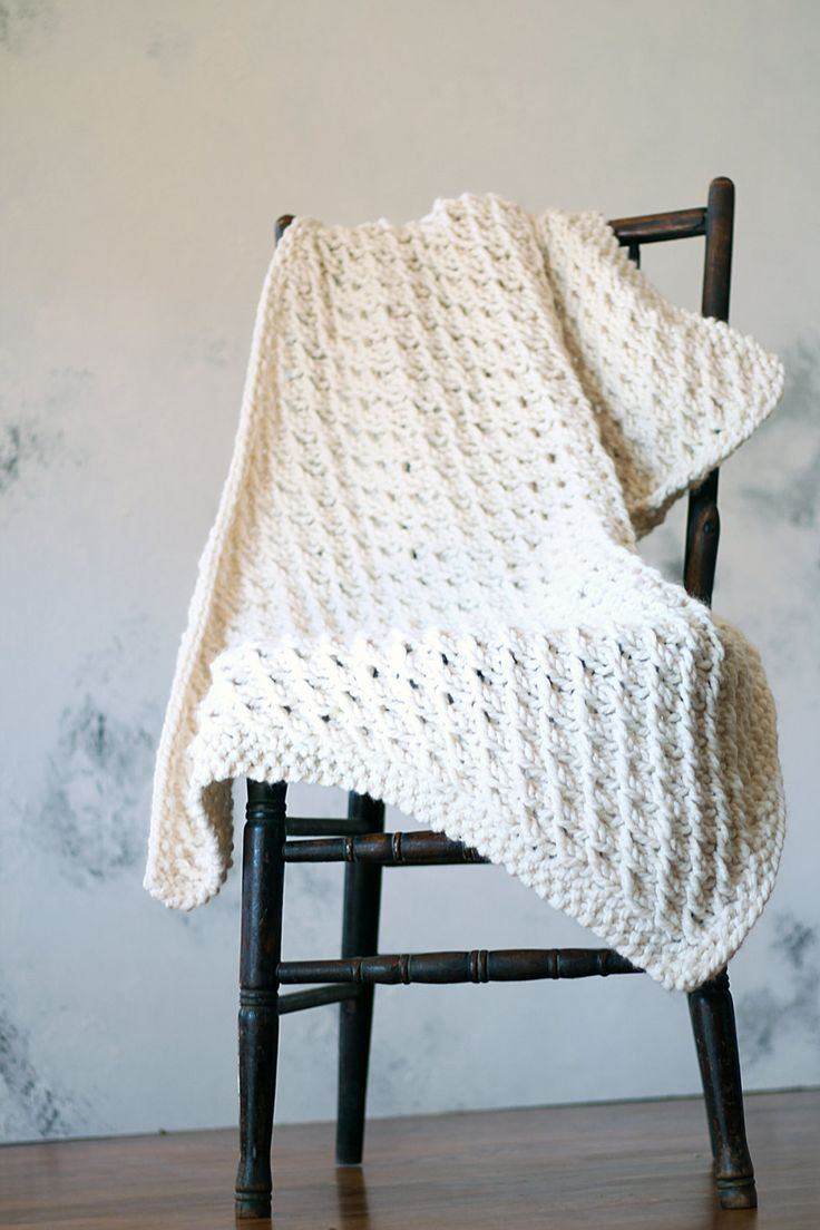 Knitting Patterns For Baby Blankets And Shawls : Knitted throw baby blanket shawl lap robe pattern