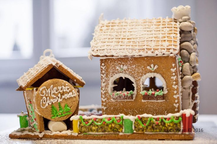 Gingerbread house by Laura Fiorini