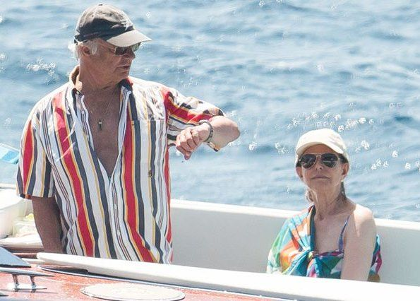 Queen Silvia and King Carl Gustaf are in Saint-Tropez