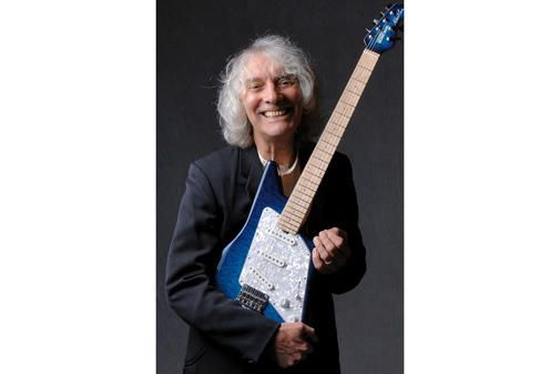 Der 68-jährige englische Gitarrist und Sänger Albert Lee hat viele Spuren in der Rockgeschichte hinterlassen. Er hat mit Größen wie Eric Clapton, Emmylou Har...