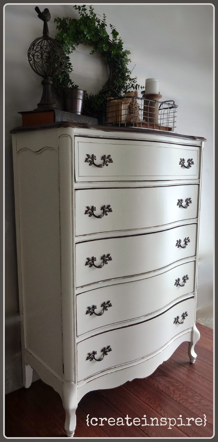 {createinspire}: French Provincial in Antique White Paint Denise Dresser  top dark - Best 25+ Antique White Paints Ideas On Pinterest Antique White