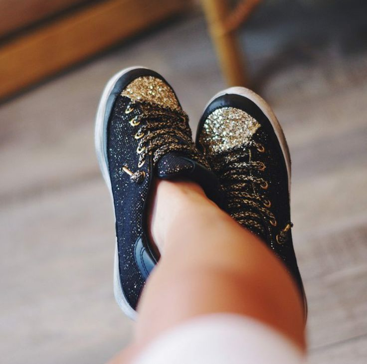 For a lovely day, you can wear a pair of glittering #2star shoes!  www.2star.it   #low #sneaker #sneakers #shiny #gold #black #glitter #leather #details #laces #laminated #brushed #effect #beautiful #style #fashion #fall #winter #collection #woman #girl #shoe #shoes #instacool #instadaily