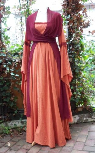 Words cant describe this beauty right here! Medieval dress at it's perfection! :D scarf tied around, nice