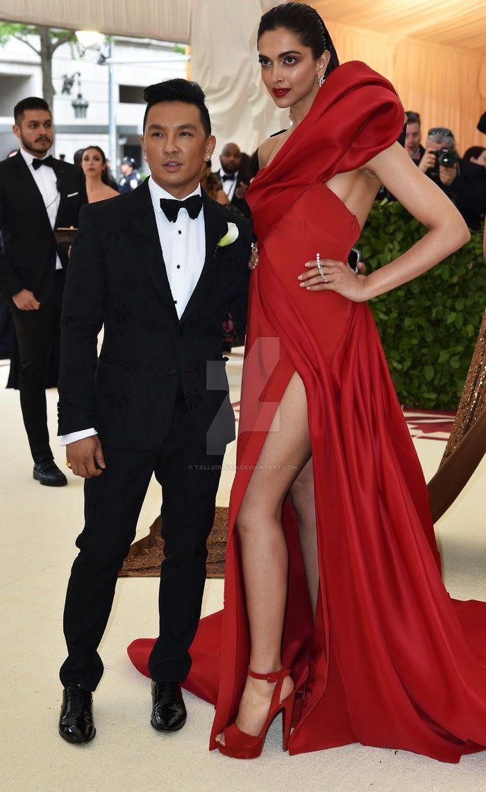 Tall Women And Short Women Does Height Really Matter For Couples Looking At The Celebrities Living The Live Example Of Tall W Grosse Frauen Frauen Shorts Frau