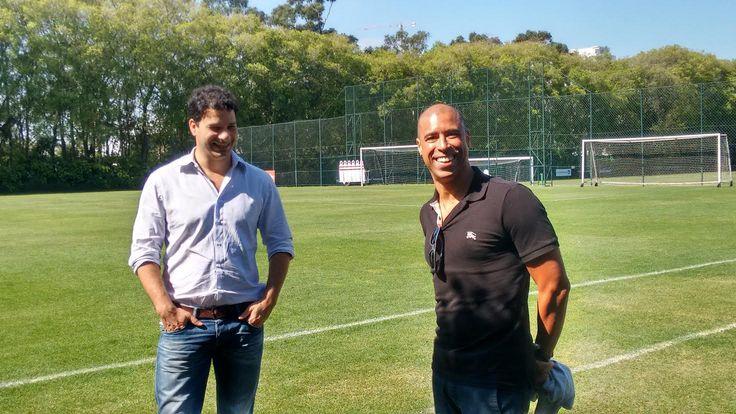 Bicampeão brasileiro com São Paulo, Jorge Wagner visita elenco tricolor #globoesporte