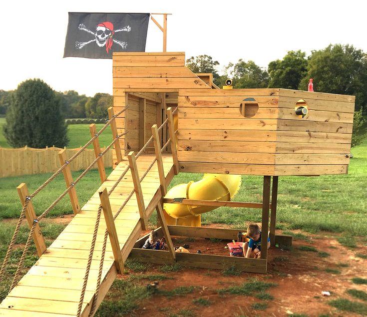Paul's Pirate Ship   Pirate ship, Play houses, Pirate ship ...