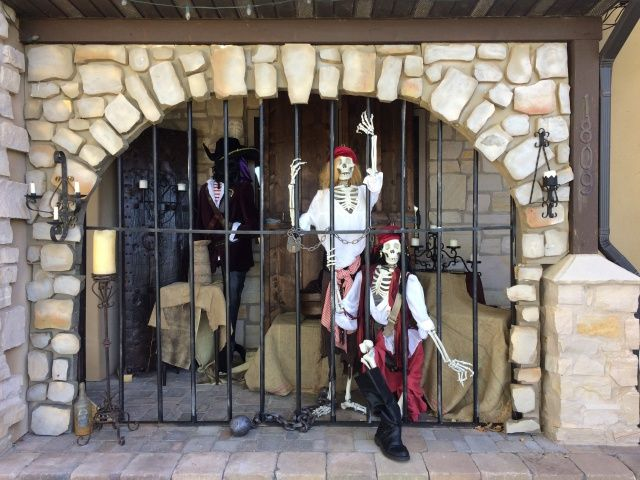 potc scene halloween forum member reaperrick - Pirate Halloween Decorations
