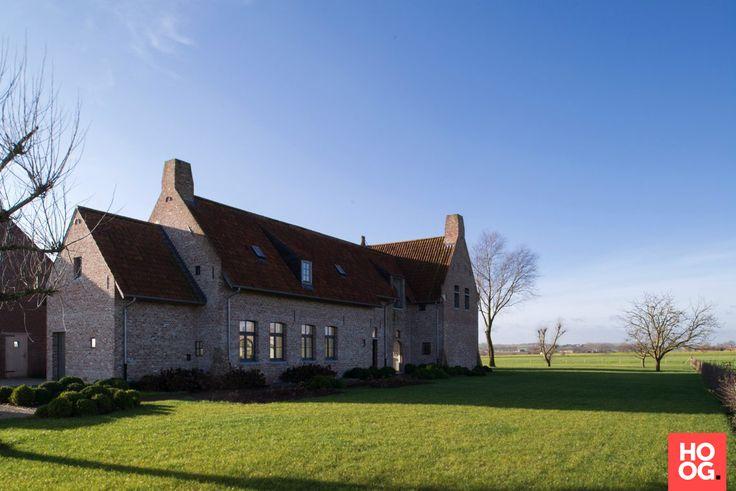 Architectenbureau Glenn Reynaert - U-vormige hoeve nabij Franse grens - Hoog ■ Exclusieve woon- en tuin inspiratie.