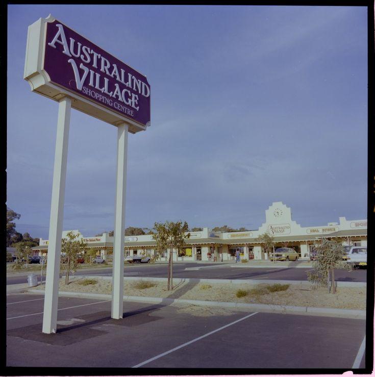 329247PD: Australind Village shopping centre, 11 March 1983  https://encore.slwa.wa.gov.au/iii/encore/record/C__Rb3159393