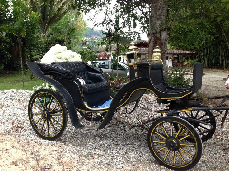 carriage. wedding car decoration.