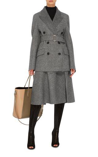 モノトーンでキメる秋冬の装い。素敵な40代の着こなし術♡アラフォー 台形スカートコーデを集めました!