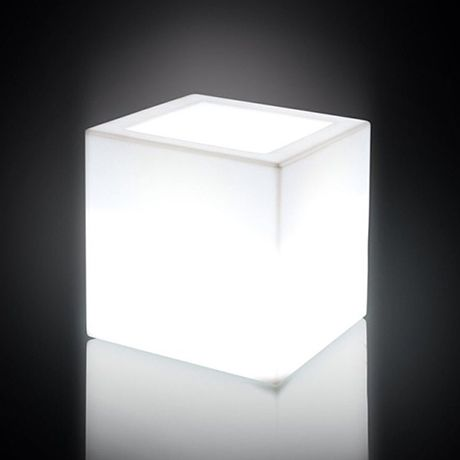 Papavero | Plart Design, http://bit.ly/1KcQmiO Cubic POT available in 2 size and with lighting.