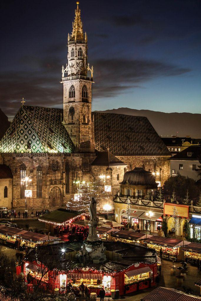 Christmas Market  in Walther Square, Bolzano, Trentino-Alto Adige, Italy
