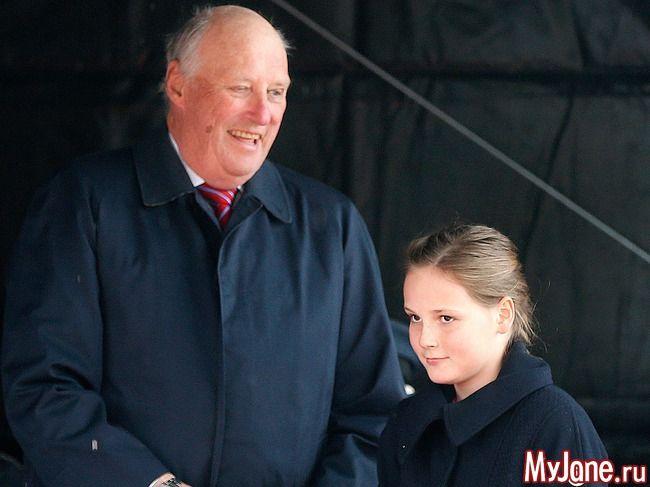Король Харальд и принцесса Ингрид Александра 4 мая 2015 года: Группа В некотором царстве-государстве...